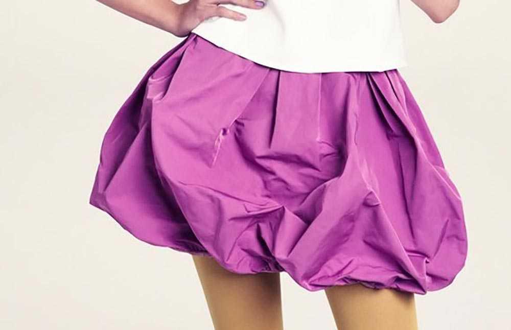 Falda corta en forma de globo