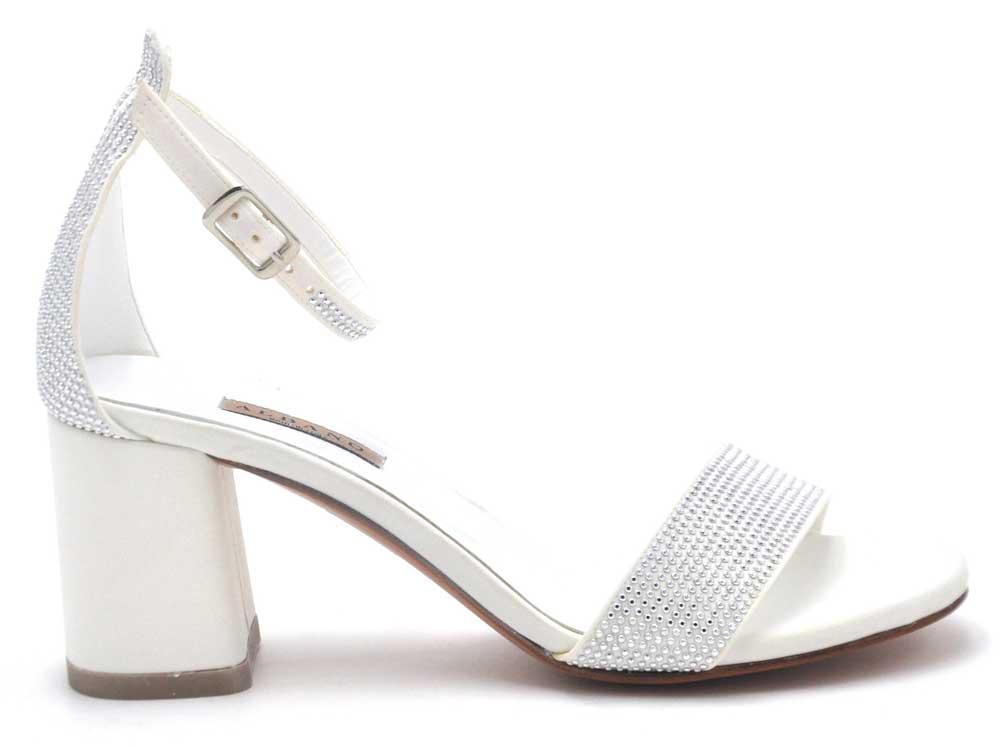 sandalias de novia con pedrería