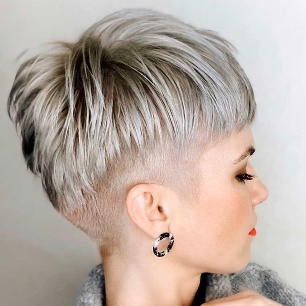 Cortes de pelo corto recto mujer invierno 2021