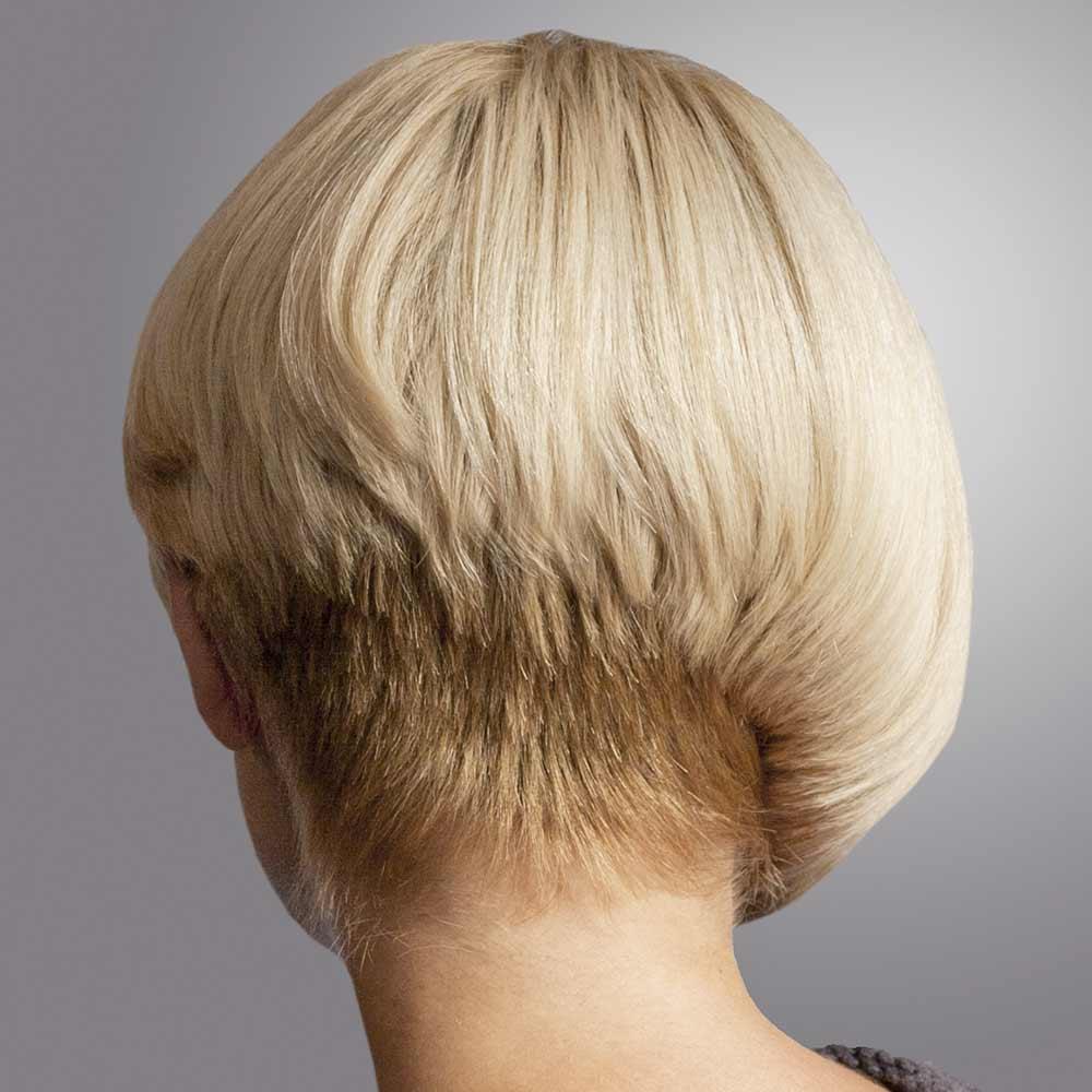Corte de pelo corto asimétrico visto desde atrás