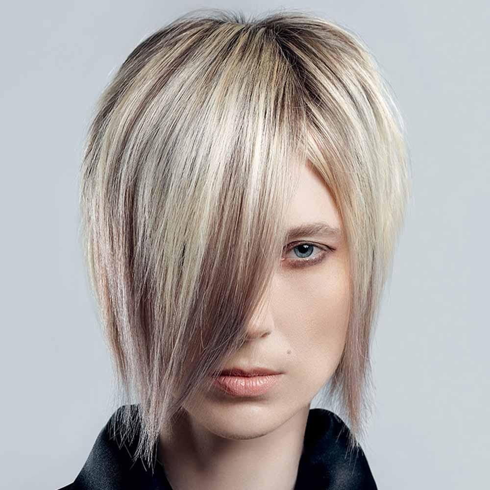 Look de pelo corto asimétrico 2021