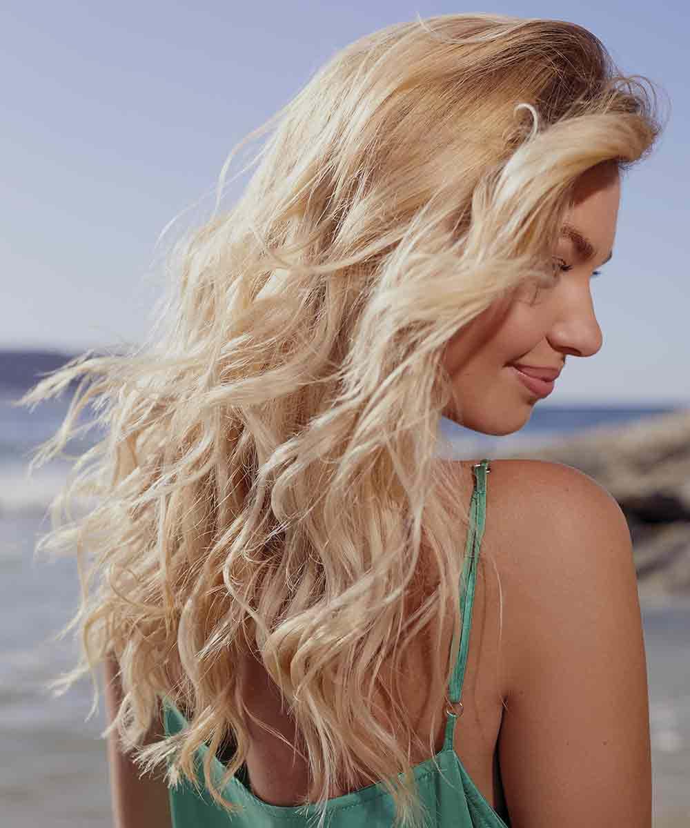 El pelo largo y ondulado corta incluso el verano 2021