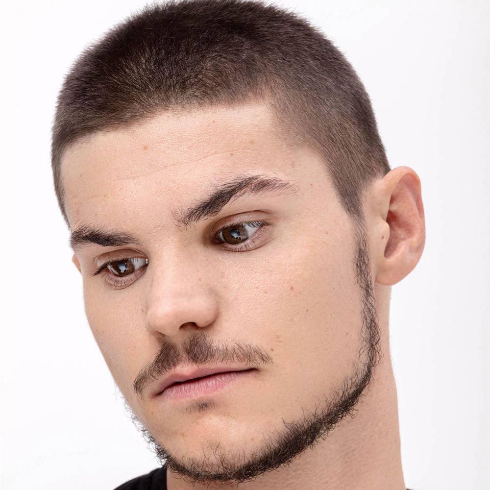 Cortes de pelo corto afeitado hombre invierno 2020