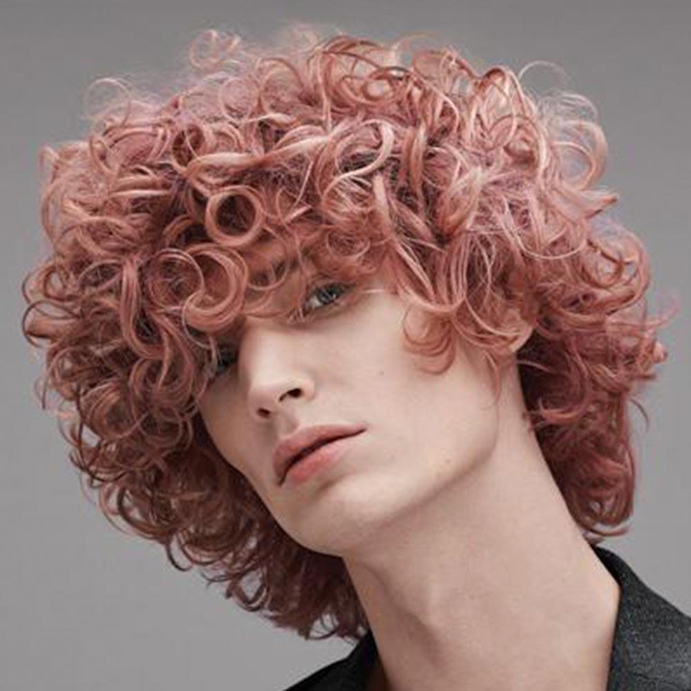 Cortes de pelo rizado hombre invierno 2020