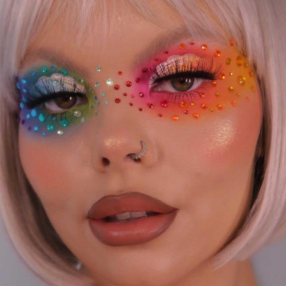Maquillaje de ojos arco iris