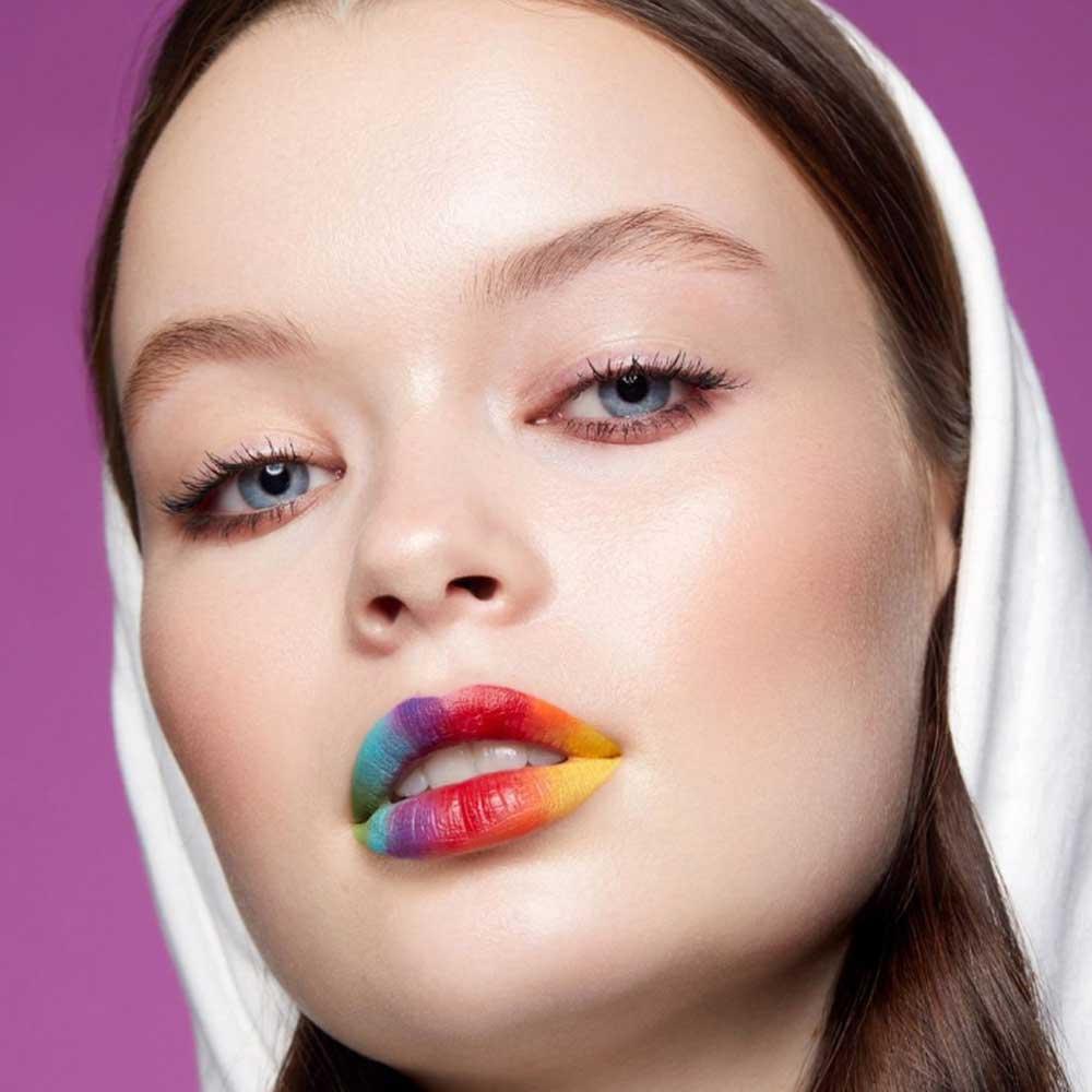 Maquillaje facial arco iris