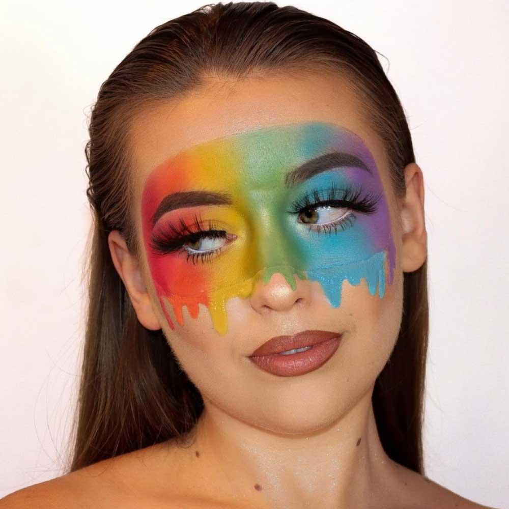 Maquillaje con la bandera del arco iris