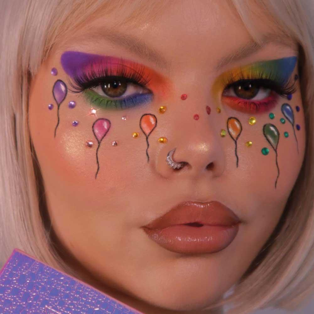 Maquillaje de ojos multicolor