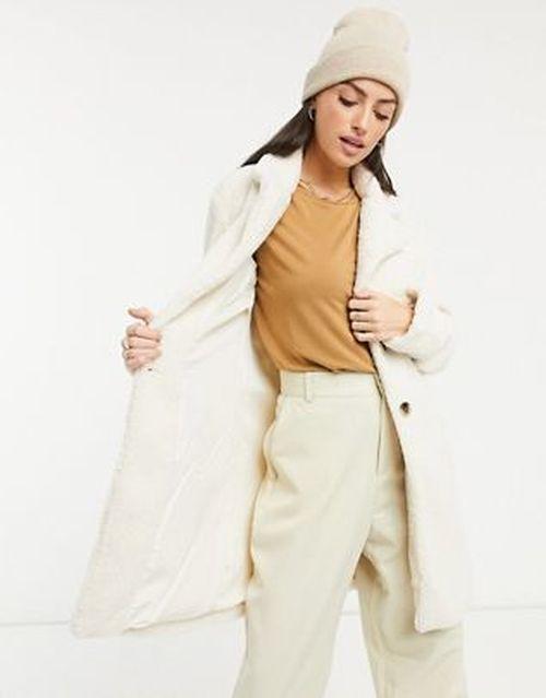 Abrigo color crema peluche Asos