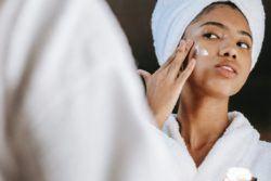 La crema facial indispensable que no pueden faltar en tu neceser
