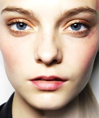 dorado-ojos-azules