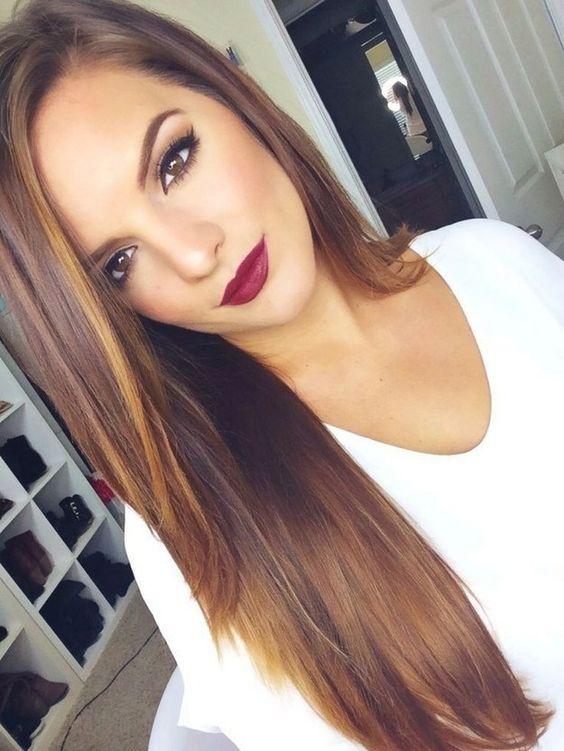 peinados de mujer pelo largo liso raya a - Peinados Lisos