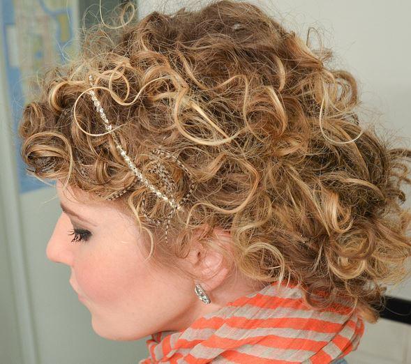 los mejores peinados para pelos rizados - Recogido Rizado