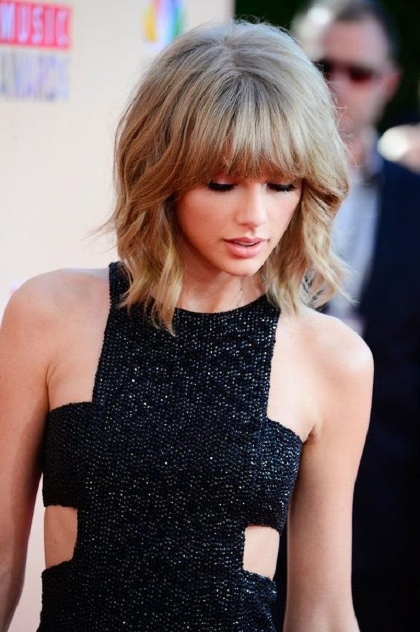 short-hair-cuts-with-straight-bangs-taylor