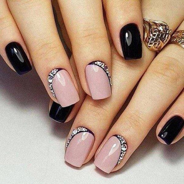 unas-acrilicas-rosa-y-negro