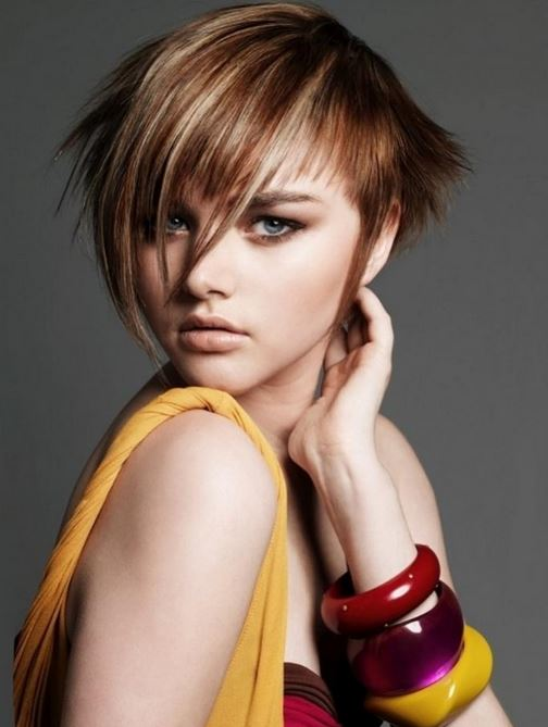 Cortes de pelo y peinados EMO para mujeres 2016