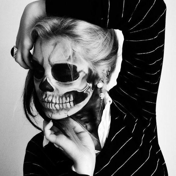 maquillaje-halloween-calavera-blanco-y-negro