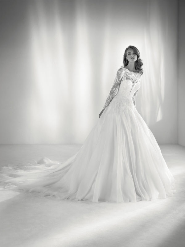 Pronovias 2020 wedding dresses - Blogmujeres.com