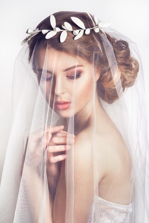 Peinados para novia con velo y tiara
