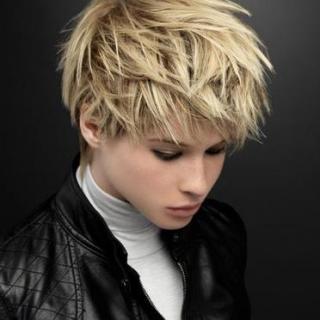 cortes-de-pelo-corto-otono-invierno-desestructurado-rubio-2