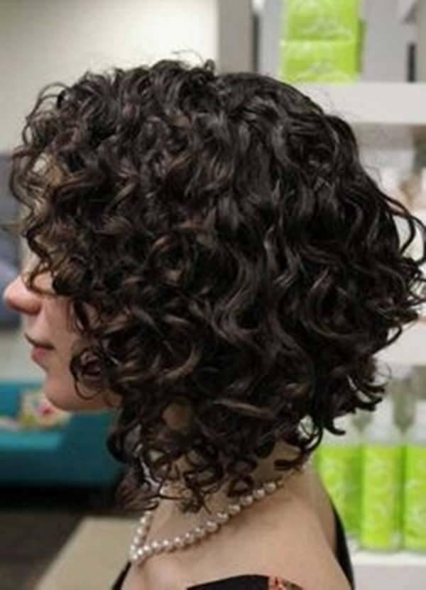 cortes-de-pelo-rizado-otono-invierno-2017-bob