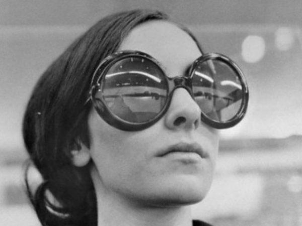 moda-años-70-gafas-de-sol-circulares