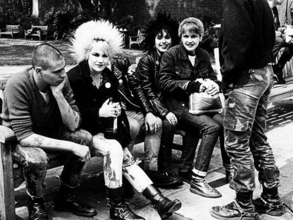 moda-años-70-pantalones-punk