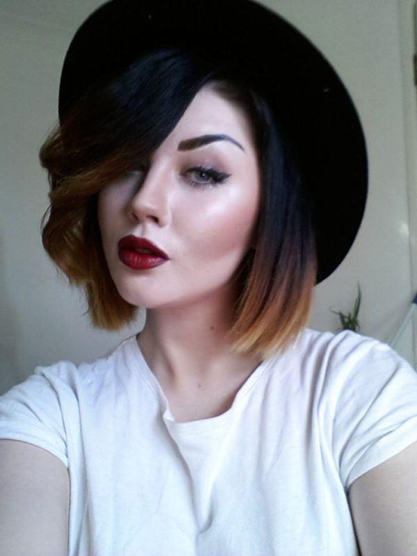 mechas-californianas-media-melena-sombrero
