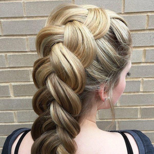 peinados-con-trenzas-clasica-elegante