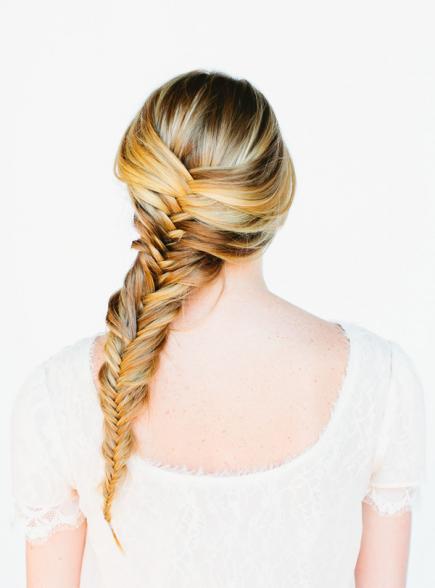 peinados-con-trenzas-cola-de-pez-rubia