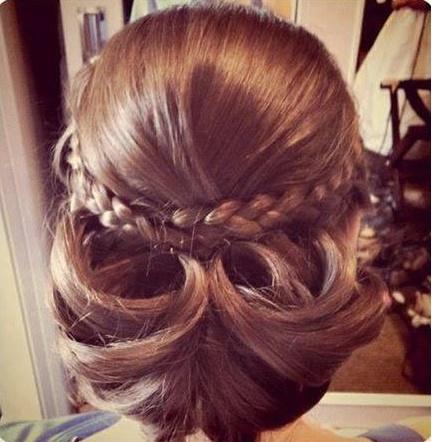 peinados-con-trenzas-recogido-bajo