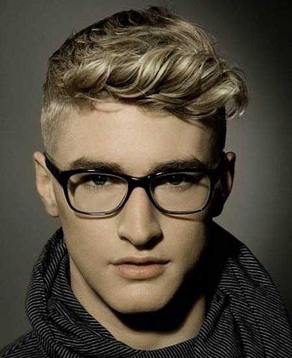 peinados-hombre-pelo-corto-adolescente-gafas
