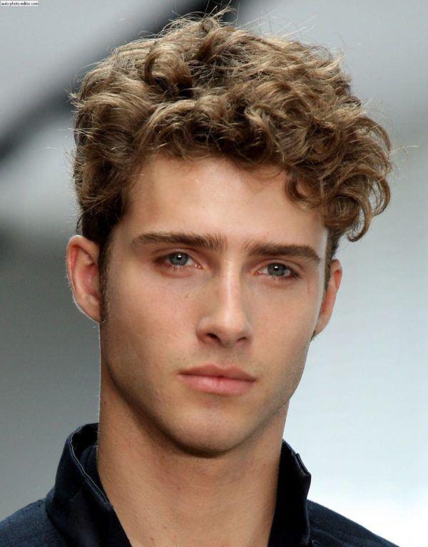 peinados-hombre-pelo-corto-rizado