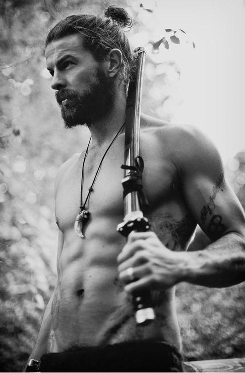 peinados-hombre-pelo-corto-undercut-hipster-samurai