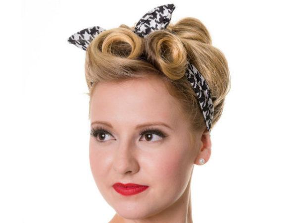 peinados-pin-up-rubia-cinta-negra-blanca