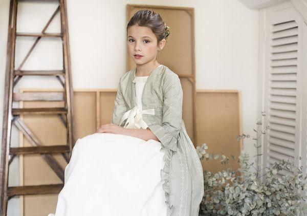 vestidos-de-comunion-diferentes-teresa-leticia-abrigo