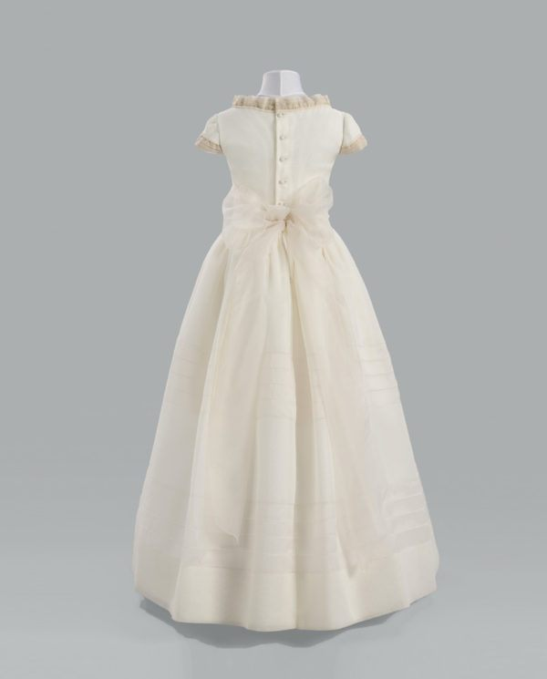 vestidos-de-comunion-el-corte-ingles-devota-lombard-2-espalda