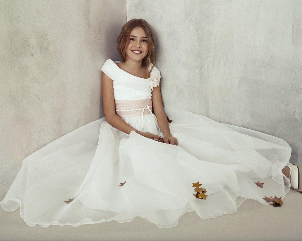 vestidos-de-comunion-el-corte-ingles-tizzas-iria-nina