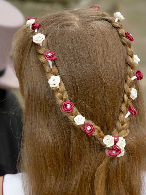 vestidos-de-comunion-nanos-tocados-trenza-flores