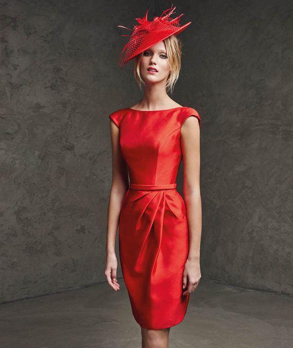 vestidos-de -fiesta-rojos-cortos-pronovia-lanila
