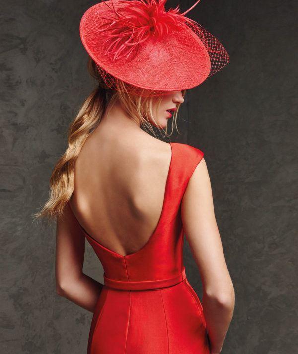 vestidos-de -fiesta-rojos-cortos-pronovia-lanila-espalda