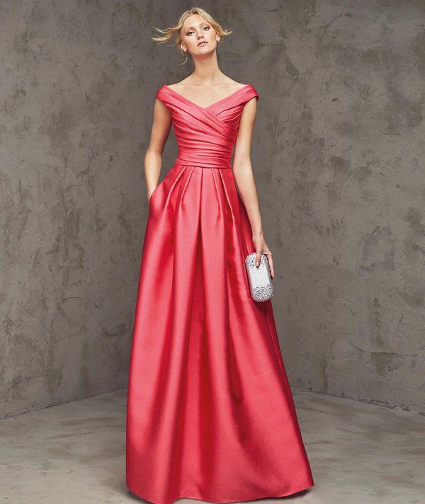 vestidos-de -fiesta-rojos-largos-pronovias-lasira