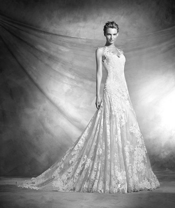 vestidos-de-novia-corte-sirena-pronovias-encaje-vienal
