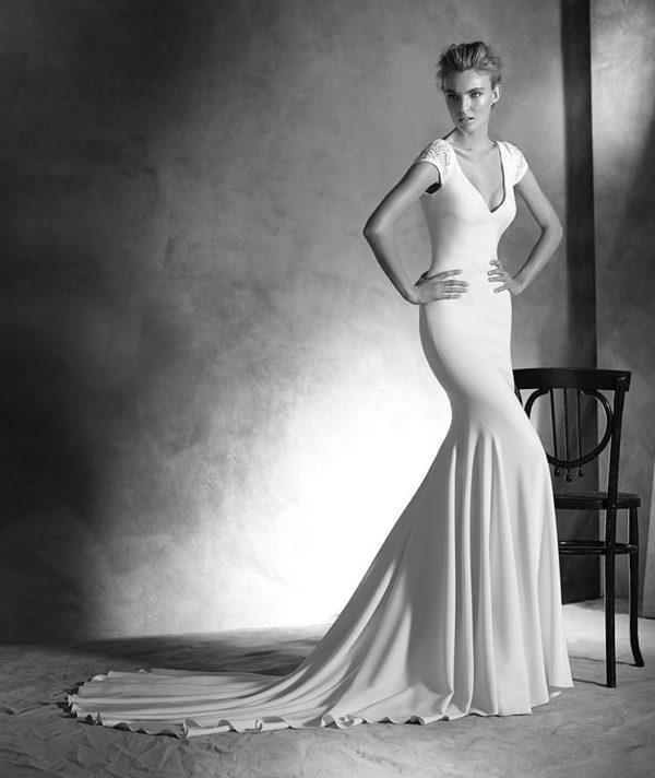 vestidos-de-novia-corte-sirena-pronovias-irune