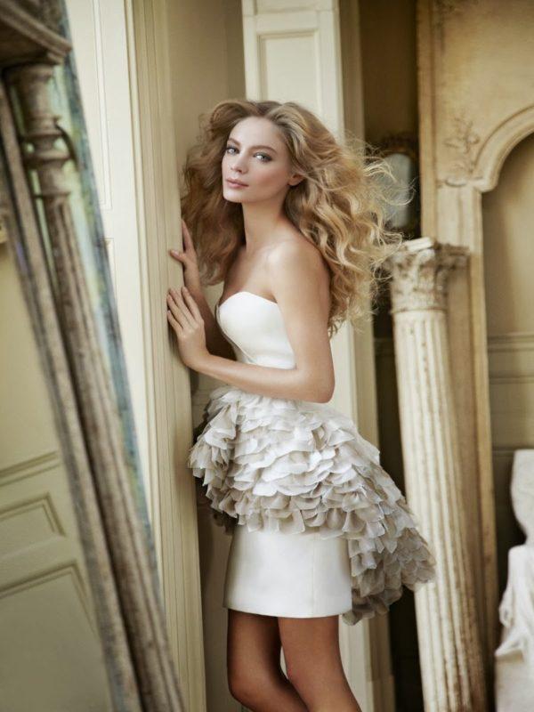 vestidos-de-novia-para-boda-civil-corto-con-sobre-falda-gris