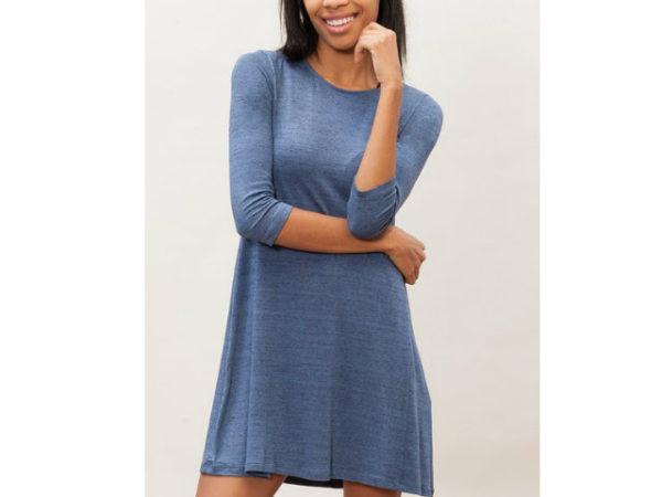 catálogo-stradivarius-vestidos-azul-básico