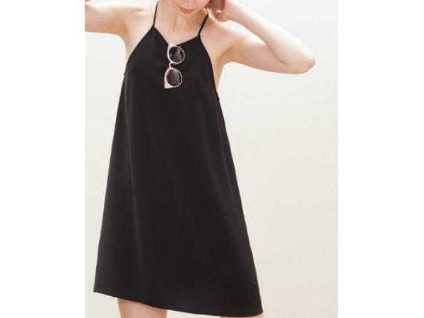 catálogo-stradivarius-vestidos-negro-corto