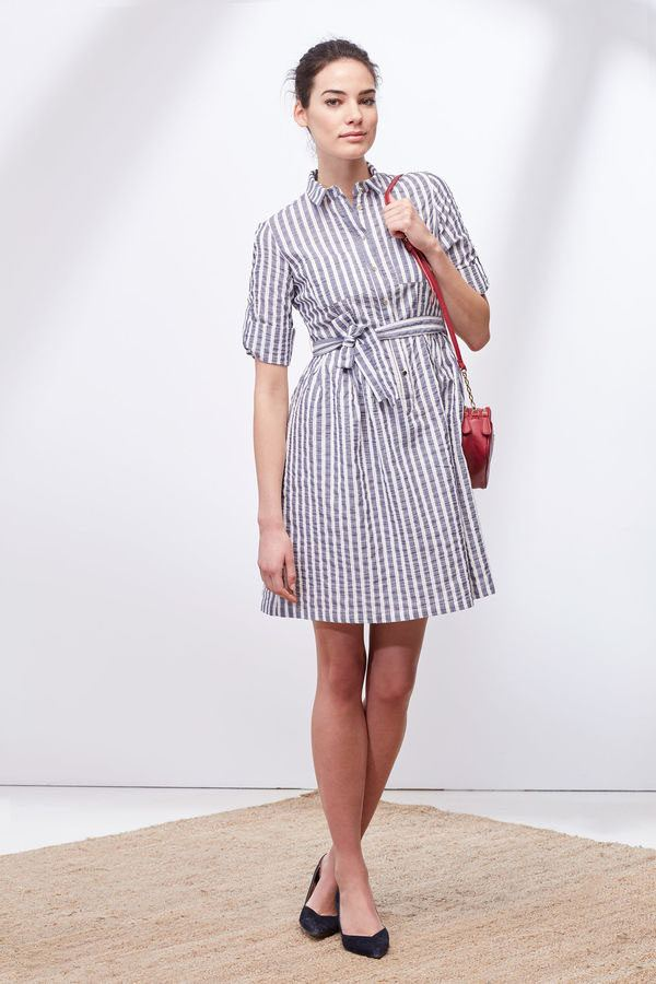 ecc7da04a Un vestido recto y largo es otra de las apuestas de la firma Cortefiel. Un vestido  largo pensado para Primavera Verano