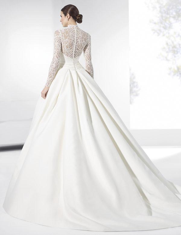 vestidos-de-novia-manga-larga-manuel-alvarez-8-1-espalda