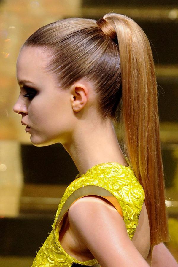 peinados-faciles-pelo-largo-cola-de-caballo-inicio